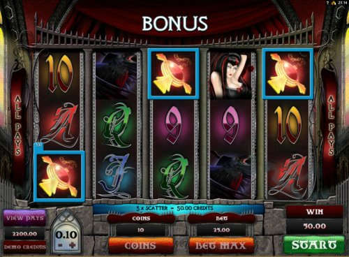 Scatter win triggers the bonus feature - Hotslot